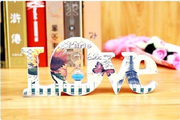 Đồng hồ cát chữ I love You của shop quà xinh