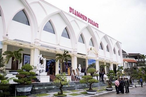 Nhà hàng Diamond Palace