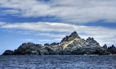 Hòn đảo ma bí ẩn