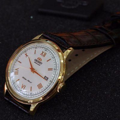 Đồng hồ của hãng Orient