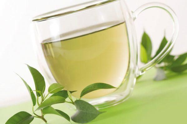 Uống trà xanh mỗi ngày rất tốt
