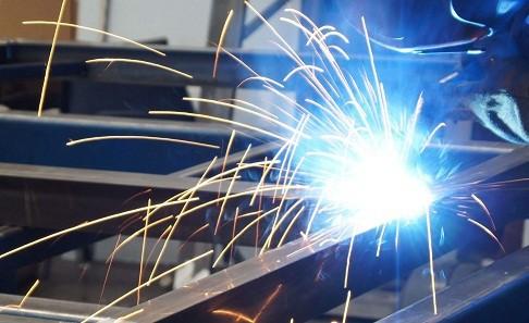Sản xuất kim loại và các sản phẩm từ kim loại