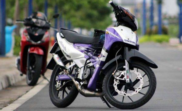 Suzuki RGV