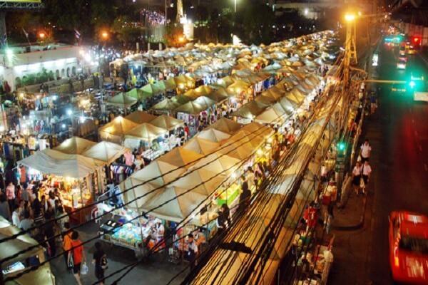 Một góc chợ đêm