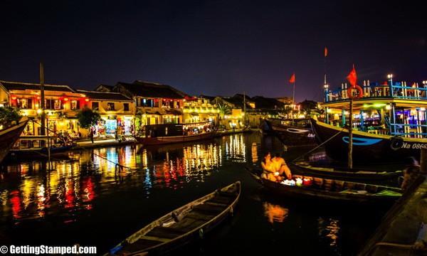 Vẻ đẹp lung linh của phố cổ Hội An về đêm