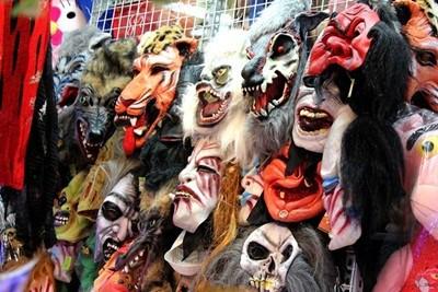 Hệ thống cửa hàng Gifthaus - shop bán đồ Halloween ở Hà Nội