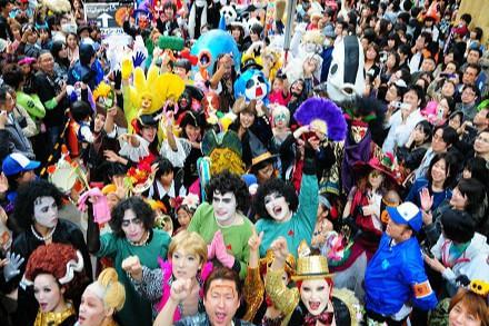 Khung cảnh đầy màu sắc của lễ hội Hallowen