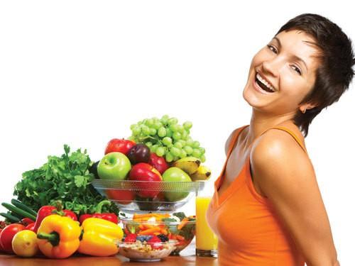 Ăn nhiều trái cây tươi và rau quả