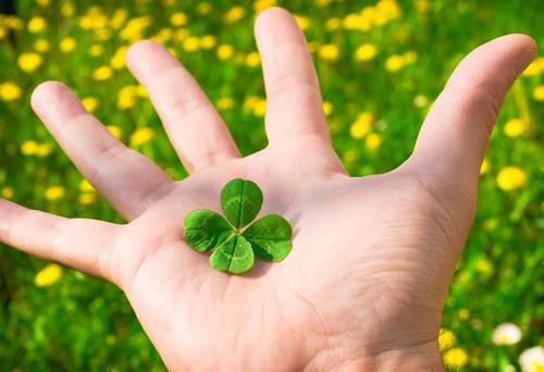 Top 10 cách để bạn trở thành người may mắn