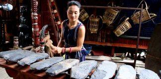 Đàn đá là một nhạc cụ gõ cổ nhất của Việt Nam
