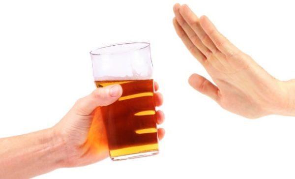 Hạn chế uống rượu