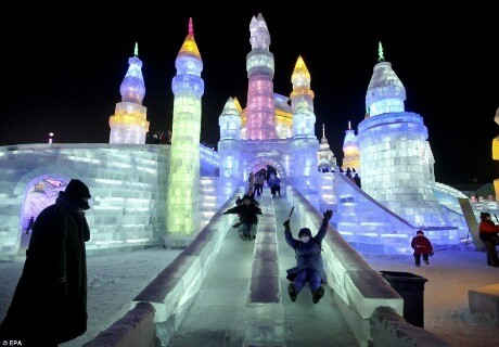 Lễ hội tuyết Sapporo - Nhật Bản