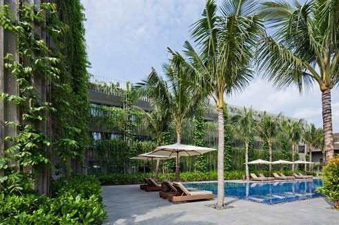 Khách sạn nghỉ dưỡng the Babylon thuộc khu nghỉ dưỡng cao cấp Naman Retreat resort, do kiến trúc dư Võ Trọng Nghĩa thiết kế, nằm đại lộ nối thành phố Đà Nẵng với Hội An (Quảng Nam).