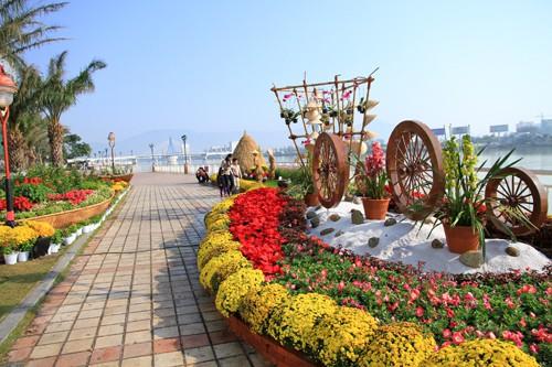 Lễ hội hoa mùa xuân rực rỡ chào đón năm mới