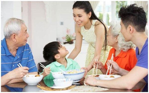Top 10 nguyên tắc vàng để chung sống hòa thuận với bố mẹ chồng