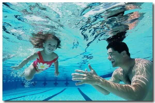 hồ bơi xanh sạch dành cho cả nhà