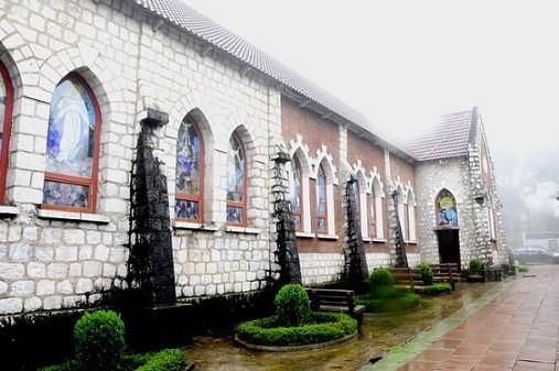 nhà thờ cổ nhất Việt Nam