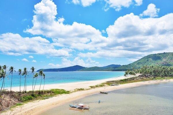 Bãi biển Nacpan, El Nido, Philippines