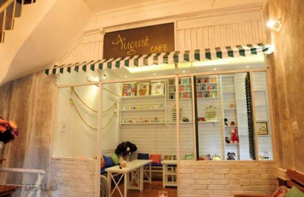 August Cafe - Quán cafe đẹp và rẻ ở Hà Nội dành cho những kẻ khờ mộng mơ