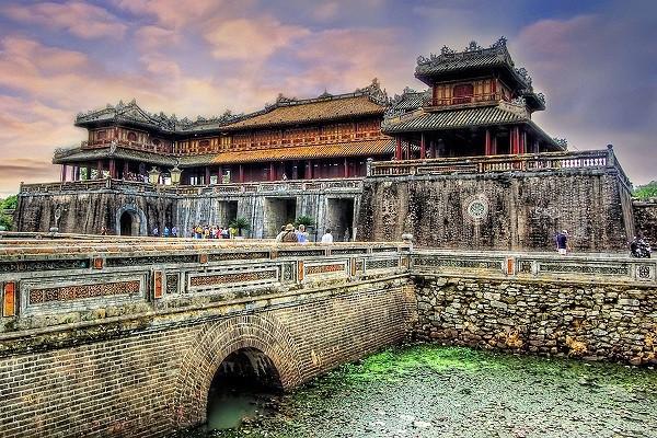 Tour du lịch khám phá Huế - Đà Nẵng - Hội An sở hữu nhiều kiến trúc cổ kính