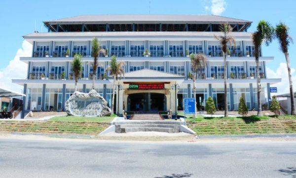 Khách sạn Ozon Hotel