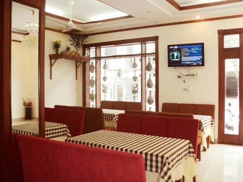 Khách sạn quốc tế Phượng Hoàng