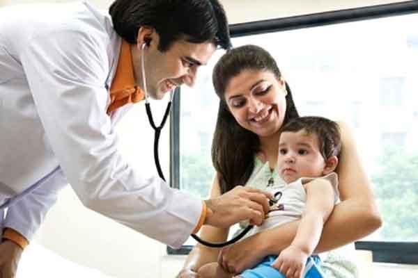 Khám chữa bệnh cho bé khi cần thiết