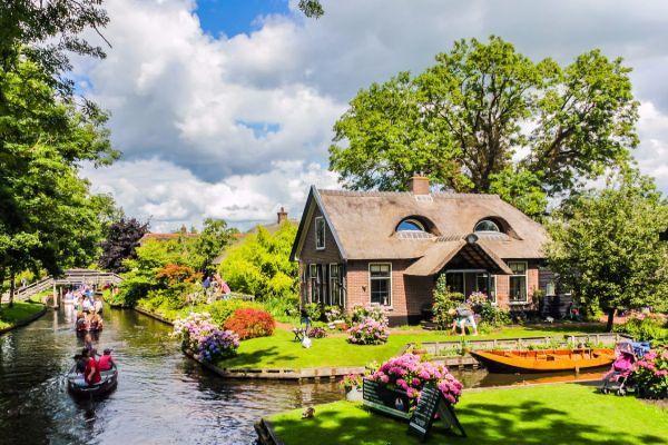 Ngôi làng cổ nổi tiếng thế giới