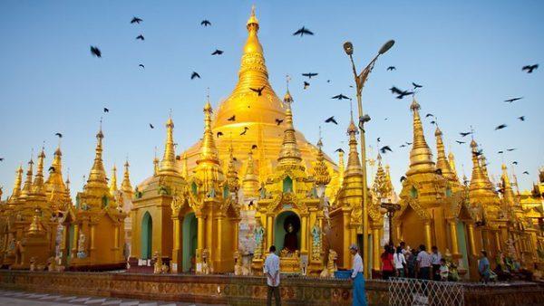 Myanmar, tên chính thức là Cộng hòa Liên bang Myanmar, là một quốc gia có chủ quyền tại Đông Nam Á có biên giới với Bangladesh, Ấn Độ, Trung Quốc, Lào và Thái Lan.