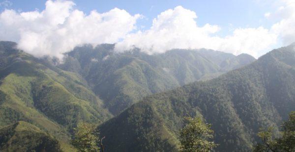 Núi nổi tiếng nhất Việt Nam - Pu Si Lung là điểm đến hấp dẫn với dân leo núi