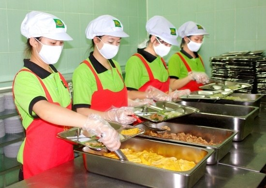 công ty cung cấp suất ăn công nghiệp chất lượng tại Bình Dương