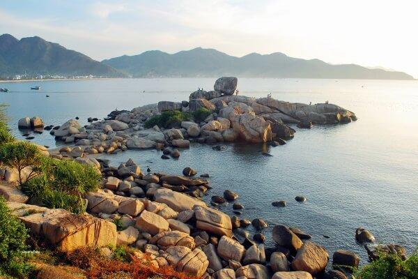 Bãi biển Hòn chồng – Nha Trang