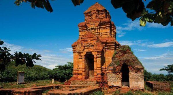 Kỳ bí Tháp Chàm Poshanư.