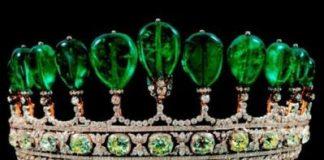 Cổ vật đắt nhất thế giới - Vương miện Tiara với 11 viên ngọc lục bảo quý hiếm