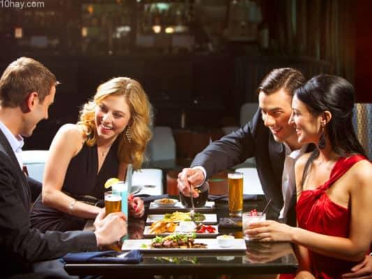 Phiếu ăn lãng mạn tại nhà hàng