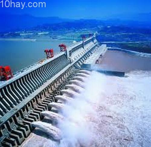 Công trình nhà máy thủy điện Atatürk, Thổ Nhĩ Kỳ