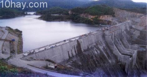 Nhà máy thủy điện Sesan 4