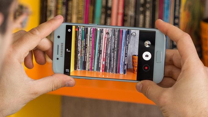 Mẫu điện thoại Galaxy A5 2017- Cải tiến nhỏ, hiệu quả to