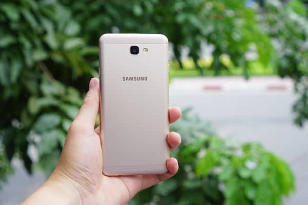 Điện thoại Galaxy J7 Prime- Giá rẻ sập sàn, tha hồ selfie