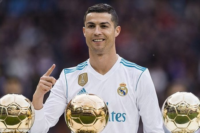 Top 10 cầu thủ đẹp trai nhất mùa World Cup 2018
